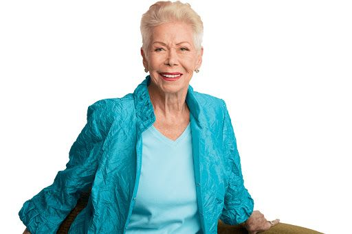 Louise Hay haciendo tapping